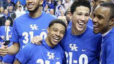 """""""From HS All-Americans, to college teammates, to now NBA teammates: Tyler Ulis and Devin Booker are friendship goals. Uk Headlines, Sports Headlines, University Of Kentucky, Kentucky Wildcats, Devin Booker, My Old Kentucky Home, First Round, Sports And Politics, Sun"""