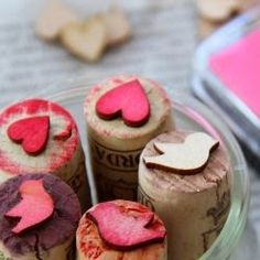 DIY Stamps - after you've finished your bottle of wine, recycle your wine cork into a stamp. Purchase wood decals at the craft store. Glue to end of cork. In a few seconds you have a stamp! Diy Stamps, Homemade Stamps, Diy Projects To Try, Craft Projects, Cork Crafts, Diy Crafts, Make Your Own Stamp, Best Teacher Gifts, Ideias Diy