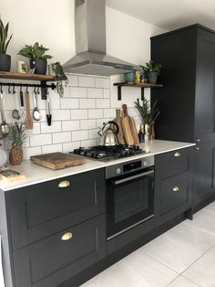 Industrial Kitchen Design, Kitchen Room Design, Kitchen Themes, Home Decor Kitchen, Kitchen Interior, Open Plan Kitchen Diner, Open Plan Kitchen Living Room, Barn Kitchen, Kitchen Dining