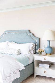 Exclusive Home Tour: A Seaside House by Tharon Anderson Tharon Anderson Master Bedroom Blue Bedroom, Home Decor Bedroom, Master Bedroom, Diy Bedroom, Bedroom Ideas, Blue And Cream Bedroom, Bedroom Themes, Bedroom Apartment, Master Suite