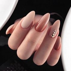 New Exquisite Stiletto Nail Art Desgins for Prom nails Art Desgins Exquisite Nail nails NagelMode Stiletto Nail Art, Nude Nails, My Nails, Acrylic Nails, Beige Nails, Oval Nails, Silver Nails, Gradient Nails, Black Nails