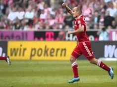 Video: Klassikkomaali - Arjen Robbenin uskomaton volleypommi ManU:n verkkoon   Bayern Munchen kohtasi 7.4.2010 Old Traffordilla pelatussa Mestarien liigan ottelussa Manchester Unitedin.  Hollantilaisen jalkapallotaiku... http://puoliaika.com/video-klassikkomaali-arjen-robbenin-uskomaton-volleypommi-manun-verkkoon/ ( #ArjenRobben #BayernMünchen #ManchesterUnited #Puoliaika #puoliaika.com #robben #Volley #volleygoal #volleymaali)