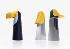 Bec ionna vautrin Robot Design, 3d Design, Shape Design, Bottle Packaging, Vinyl Toys, Designer Toys, Vintage Design, Bottle Design, Anchor Charts
