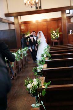 先日10月末の、高輪教会様への装花です。   ちょうどお問い合わせがあり あわせてご紹介を。    ヘアメイク、アクロシェクールさんの...