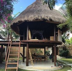 65 designs for tropical family rooms 2019 13 Bamboo House Design, Tropical House Design, Tropical Houses, Pole House, Hut House, Farm House, Bamboo Architecture, Tropical Architecture, Jungle House