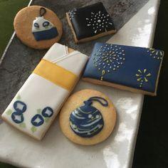 7月の1DAYレッスンです。5枚のアイシングクッキーを作ります<大人のみ受講可能なレッスンです>。お持ち帰り用箱、袋付きです。(この日は和風のデザインとなります)