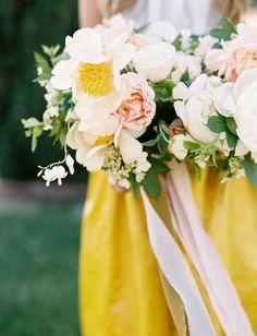 stunning modern garden bouquet by Tiffany Siladke of A Splendid Occasion