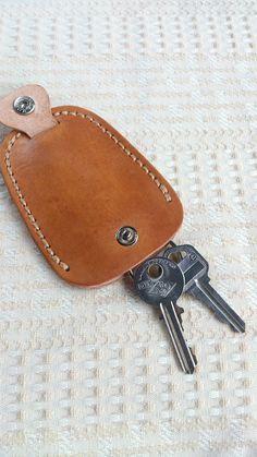 【布俗鬼】全真皮設計款鑰匙包 - 設計師 布俗鬼 - Pinkoi