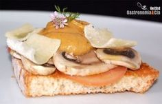 Pincho de champiñones con salsa de aguacate y parmesano