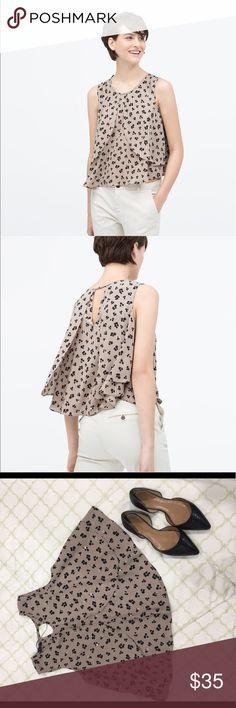 Zara Blouse size XS Gently used Zara blouse with key hole on the back Zara Tops Blouses