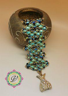 Tutorial per creare il bracciale Minerva con perline Diamond Duo, Bicono, O Beads, Rocaille, in tessitura di perline.