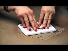 Dylusions Ink Spray Pad 101 Video with Dyan Reaveley