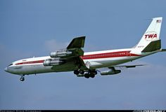 Vintage Aircraft Trans World Airlines - TWA Boeing aircraft picture.New York to Europe. Boeing 707, Boeing Aircraft, Passenger Aircraft, Illinois, Vintage Air, Vintage Room, Vintage Ideas, Domestic Airlines, Airline Logo