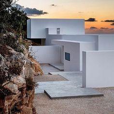 beach compound dreams c/o  #OliverDwek | RP @modern.architect