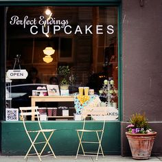 Stop forty-one: It's time for a cupcake break. Let's park the Vespa outside of this cupcake shop in Napa ;) #ridecolorfully