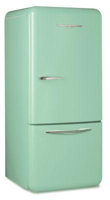 Retro fridge, love this! Retro Kitchen Appliances, Kitchen Appliance Storage, Kitchen Organization, Retro Refrigerator, Retro Fridge, Vintage Fridge, Vintage Kitchen, Mint Green Kitchen, Mint Green Aesthetic