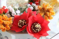 Forminha decorativa em tecido para doces finos, várias cores, caixa com 25 unidades R$ 18,00, cor vermelha. R$ 0,72