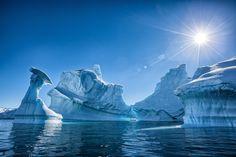 Stunning Photos Capture the Otherworldly Beauty of Antarctica's Icebergs - My Modern Met