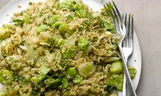Yotam Ottolenghi's quinoa and fennel salad recipe Yotam Ottolenghi, Ottolenghi Recipes, Vegetarian Recipes Easy, Raw Food Recipes, Healthy Recipes, Vegan Food, Healthy Meals, Healthy Eating, Quinoa
