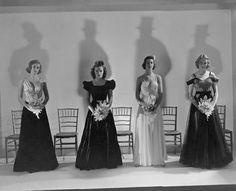 Debutantes 1937 | Beaton 30s Fashion, Fashion Photo, High Fashion, Vintage Fashion, Womens Fashion, English Fashion, Cecil Beaton, Bridesmaid Dresses, Wedding Dresses