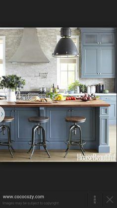 Midnight blue kitchen