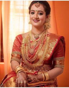 Bridal Blouse Designs, Saree Blouse Designs, Beautiful Girl Indian, Beautiful Bride, Indian Jewellery Design, Bridal Jewellery, Kerala Hindu Bride, Indian Bridal Wear, Bride Portrait