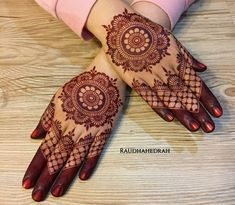 Circle Mehndi Designs, Round Mehndi Design, Finger Henna Designs, Henna Art Designs, Mehndi Designs For Girls, Mehndi Designs For Beginners, Mehndi Designs 2018, Mehndi Designs For Fingers, Mehndi Design Photos