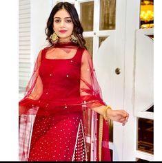 Punjabi Suit Neck Designs, Neck Designs For Suits, Pakistani Dresses, Indian Dresses, Indian Outfits, Punjabi Suits Designer Boutique, Indian Designer Suits, Patiala, Salwar Kameez