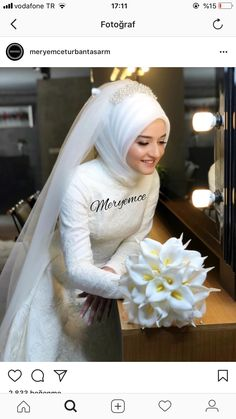 Hijab styles 613263674236470174 - Görüntünün olası içeriği: 1 kişi Source by sevincbuldur Wedding Hijab Styles, Muslim Wedding Dresses, Muslim Brides, Dream Wedding Dresses, Bridal Dresses, Muslim Girls, Muslim Women, Wedding Looks, Bridal Looks