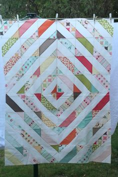 Tube quilt variation - 4 strips.  England Street Quilts: WIP - Riley Blake Jelly Roll Quilts