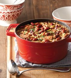 Quick-and-Easy Red Beans and Rice Nothing beats a good Red Beans and Rice, and ours is no exception. With smoked sausage and garden veggies, it will leave you smiling after each bite. Cajun Recipes, Bean Recipes, Cooking Recipes, Healthy Recipes, Rice Recipes, Pork Recipes, Yummy Recipes, Cajun Cooking, Creole Recipes