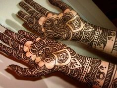 25 Intricate Examples Of Henna Art