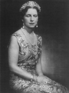 Queen Helen of Romania, new Princess of Greece, wearing the diamond meander tiara that still belongs to the Romanian royals today Royal Crowns, Royal Tiaras, Royal Jewels, Tiaras And Crowns, Crown Jewels, Royal Family Lineage, Michael I Of Romania, Romanian Royal Family, Royals Today