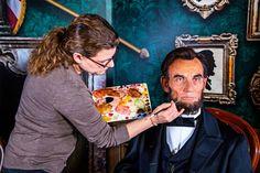 Em celebração ao Dia dos Presidentes, na data de ontem (16 de fevereiro de 2015), o Madame Tussauds Orlando revelou a figura de cera de Abraham Lincoln, 16°. presidente dos Estados Unidos. Os visitantes do museu de cera - Madame...