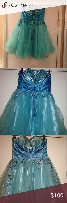 Homecoming/Prom Dress Short Blue Formal Dress With Beaded Flowers. Size 4 Cinderella Dresses Prom
