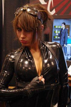Catwoman New York Comic Con 2012 - Picture by Aggressive Comix www.vip-eroticstore.com
