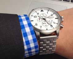 Details make the difference ° watch Advolat Switzerland Fashion Guide, Sharp Dressed Man, Gentleman Style, Style Guides, Switzerland, Men Dress, Watches, Detail, Sweet