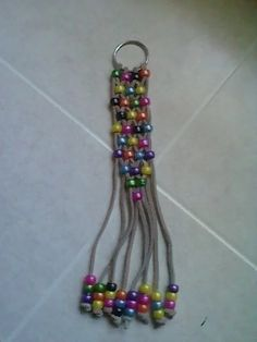 Craft A Beaded Key Chain For Any Gift Occasion! Beaded Key Chain ~ Easy project for kids Pony Bead Projects, Pony Bead Crafts, Beaded Crafts, Beading Projects, Jewelry Crafts, Jewelry Ideas, Crafts With Pony Beads, Pony Bead Animals, Beaded Animals