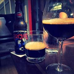 simple creamy goodness - Shakespeare Oatmeal Stout by Rogue Ales @rogueales  #oatmealstout #rogueales #stout #craftbeer