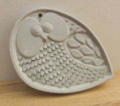 Totally cute vintage mod owl Ceramic by Chixycoco on Etsy.