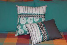 Shiner's view ...: Lotsa pillows!