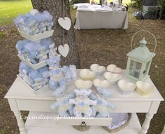COCCINELLEPAZZE Handmade: SCENE DA UN EVENTO.. IL BATTESIMO TUTTO SHABBY DI… Birthday Party Decorations, Holiday Crafts, Gemma, Shabby, Baby Shower, Children, Handmade, Tea Party Favors, Bears