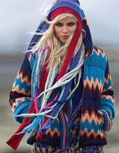 L'hiver dans Vogue: Natasha Poly photographiée par Hans Feurer pour la série Grand Air du numéro de septembre 2011 de Vogue Paris http://www.vogue.fr/mode/inspirations/diaporama/l-hiver-dans-vogue-paris/16356/image/882933#!natasha-poly-photographiee-par-hans-feurer-pour-la-serie-grand-air-du-numero-de-septembre-2011-de-vogue-paris