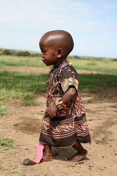 Criança da tribo Masai, Quénia *Child from the Masai tribe, Kenya