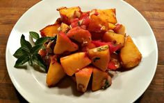 red or green?: Summer Peach & Tomato Salad  #FoodNetworkSummerSoiree #peaches #salad  #summerrecipes