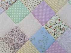 #kingsizequilt Queen Size Blanket, Queen Size Quilt, Country Bedspreads, Elegant Gift Wrapping, Single Quilt, Patchwork Blanket, Twin Quilt, Quilt Sizes, Perfect Christmas Gifts