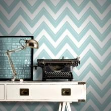 Give any room a splash of colour with this eye-catching chevron inspired wallpaper from Rasch. Rasch wallpaper is in stock at Go Wallpaper UK. Tartan Wallpaper, Retro Wallpaper, Striped Wallpaper, Wall Wallpaper, Geometric Wave Wallpaper, Chevron Pattern Wallpaper, Stripe Pattern, Glitter Wallpaper Bedroom, Glitter Bedroom