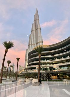 Burj Khalifa this morning in Dubai. Dubai Vacation, Dubai Travel, Dream Vacations, Dubai City, Dubai Uae, City Aesthetic, Travel Aesthetic, Places To Travel, Places To Visit