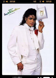 Michael Jackson by Annie Leibovitz, Annie Leibovitz, Michael Jackson, King Of Music, I Miss Him, Music Artists, Amazing Photography, Beautiful People, Chef Jackets, Photoshoot