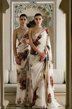 Looking for quality Modern Saree also items like Designer Saree and Elegant Sari Blouse if so then Click Visit link above to read Ethnic Fashion, Asian Fashion, Look Fashion, Indian Fashion Modern, Indian Fashion Trends, Fashion Men, Indian Look, Indian Ethnic Wear, Indian Style
